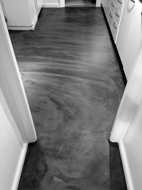 microcement gulv med betongulv